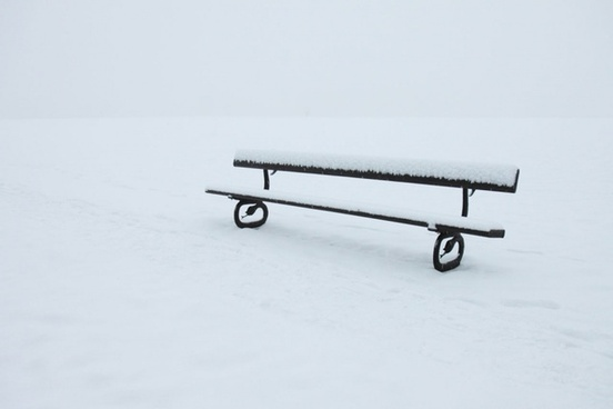 bench_in_winter_187607