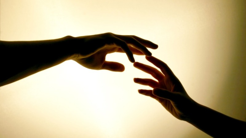 love_holding_hands_wallpaper_free_desktop